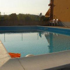 Отель Casa Silvia Италия, Манерба-дель-Гарда - отзывы, цены и фото номеров - забронировать отель Casa Silvia онлайн бассейн фото 2