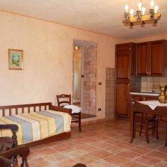 Отель Agriturismo Fonte di Maroglio Кастровиллари в номере