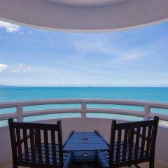 Отель D Varee Jomtien Beach 4* Представительский номер с различными типами кроватей фото 16