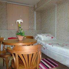 Черчилль Отель Стандартный номер двуспальная кровать (общая ванная комната) фото 4