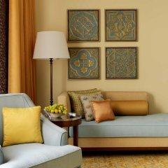 Отель The Ritz-Carlton, Dubai Стандартный номер с различными типами кроватей фото 4