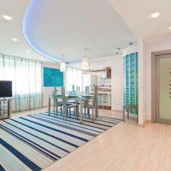 Апартаменты VIP Апартаменты 24/7 комната для гостей фото 2