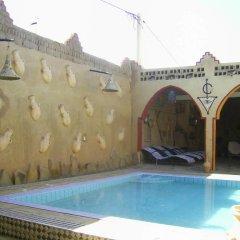 Отель Merzouga Sarah Camp Марокко, Мерзуга - отзывы, цены и фото номеров - забронировать отель Merzouga Sarah Camp онлайн бассейн