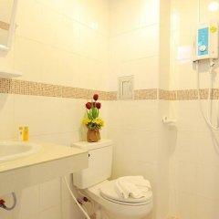 Отель NNC Patong Inn ванная фото 2