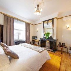 Отель Louise sur Cour 4* Номер Делюкс с разными типами кроватей фото 7