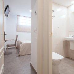 Отель Hostal El Romerito Стандартный номер с двуспальной кроватью (общая ванная комната) фото 4