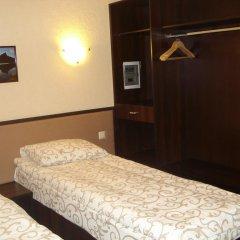 Hotel Artua сейф в номере