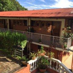 Отель Dhulikhel Lodge Resort Непал, Дхуликхел - отзывы, цены и фото номеров - забронировать отель Dhulikhel Lodge Resort онлайн балкон