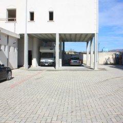 Отель Guesthouse Familja Албания, Берат - отзывы, цены и фото номеров - забронировать отель Guesthouse Familja онлайн парковка