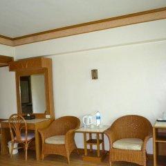 Отель Golden Sand Inn комната для гостей фото 10