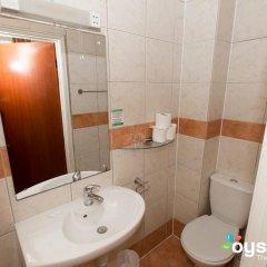 Dolphin Hotel 3* Стандартный семейный номер с двуспальной кроватью фото 8