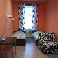 White Nights Hostel Кровать в общем номере с двухъярусной кроватью