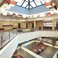 Отель Delta Hotels by Marriott Saskatoon Downtown интерьер отеля