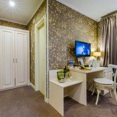 Гостиница Де Пари 4* Улучшенный номер с двуспальной кроватью фото 10