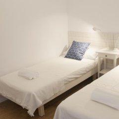 Отель Bed and Beach Barcelona Испания, Барселона - отзывы, цены и фото номеров - забронировать отель Bed and Beach Barcelona онлайн комната для гостей фото 3