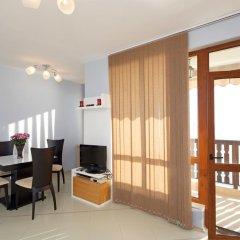 Апартаменты Mars Apartments In Tryavna Beach Complex Свети Влас комната для гостей фото 3