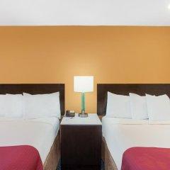 Отель Ramada by Wyndham Culver City 2* Стандартный номер с различными типами кроватей фото 3