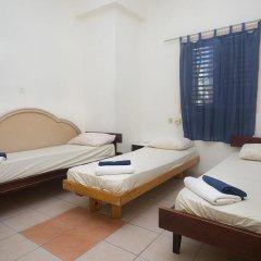 Momos Hostel Стандартный номер с разными типами кроватей (общая ванная комната) фото 6
