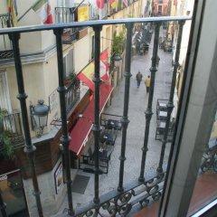 Отель JQC Rooms балкон
