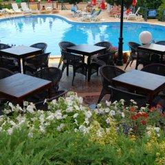 Briz 2 Hotel бассейн