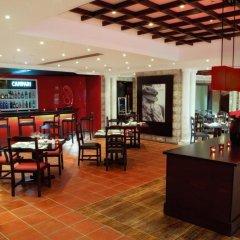 JA Beach Hotel гостиничный бар