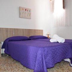 Отель Pensión Eva Стандартный номер с 2 отдельными кроватями (общая ванная комната) фото 3