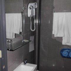 Отель Du Dauphine Франция, Лион - отзывы, цены и фото номеров - забронировать отель Du Dauphine онлайн ванная фото 2