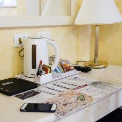 Отель Domus Trevi 3* Стандартный номер с различными типами кроватей фото 31