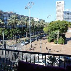 Experience The Heart Of Tel Aviv Израиль, Тель-Авив - отзывы, цены и фото номеров - забронировать отель Experience The Heart Of Tel Aviv онлайн балкон