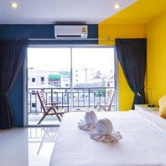 Отель Two Color Patong Номер Делюкс с двуспальной кроватью фото 14