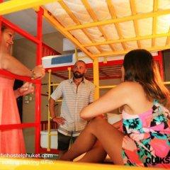 FIN Hostel Phuket Kata Beach Улучшенный номер с двуспальной кроватью фото 12