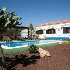 Отель Villa Mary Тискаманита бассейн