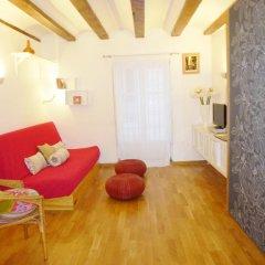 Апартаменты Almudin Apartments комната для гостей