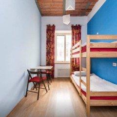 Хостел Ура рядом с Казанским Собором Кровать в мужском общем номере с двухъярусной кроватью фото 21