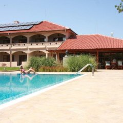 Hotel Mellow бассейн