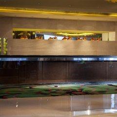 Renaissance Shanghai Yu Garden Hotel интерьер отеля фото 2