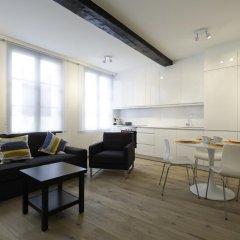 Апартаменты Apartments Chapeliers / Grand-Place комната для гостей фото 3