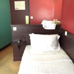 Отель Hôtel Monte Carlo 2* Стандартный номер с различными типами кроватей (общая ванная комната) фото 7
