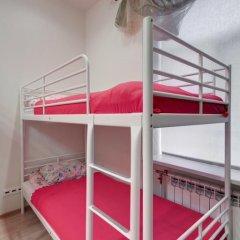 Хостел Мини-Мани на Крылова Стандартный номер с двуспальной кроватью фото 9