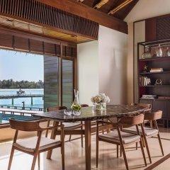 Отель One&Only Reethi Rah 5* Вилла Премиум с различными типами кроватей фото 5