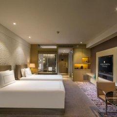 Отель InterContinental Shanghai Jing' An 5* Улучшенный номер с различными типами кроватей фото 2