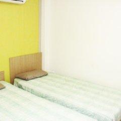 Отель Patio 59 Hongdae Guesthouse 2* Номер категории Эконом с 2 отдельными кроватями