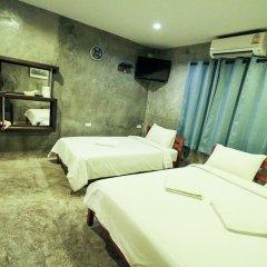 Отель At smile house 2* Стандартный семейный номер с двуспальной кроватью