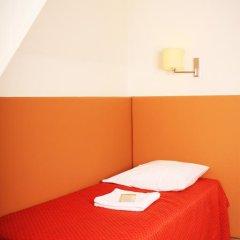 Отель Hôtel Marignan Стандартный номер с различными типами кроватей (общая ванная комната) фото 5