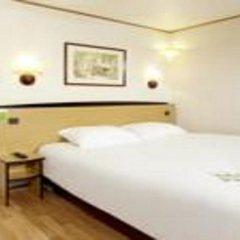 Hotel Campanile Millau 3* Стандартный номер с различными типами кроватей фото 5