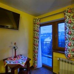 Отель Apartamenty i Pokoje w Willi na Ubocy Закопане удобства в номере
