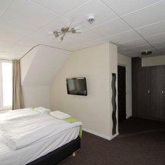 Hotel Asselt сейф в номере
