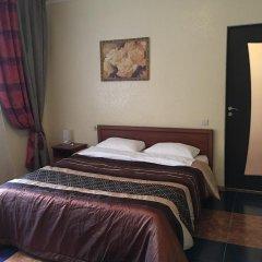 Гостиница Ласточкино гнездо Стандартный семейный номер с двуспальной кроватью