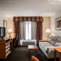 Отель Clarion Inn & Suites Clearwater комната для гостей фото 5