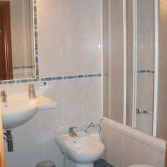 Hotel Louro 3* Стандартный номер двуспальная кровать фото 11